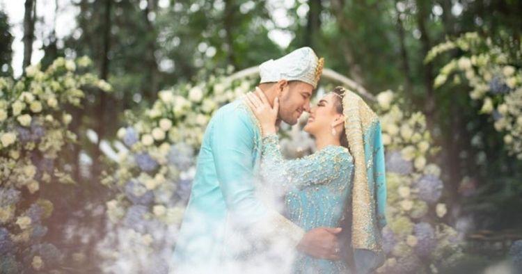 Momen Irish Bella & Ammar Zoni usai menikah, intim di kolam renang
