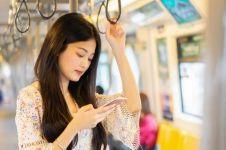 Perlu dicontoh, ini 7 etika orang Jepang ketika menaiki KRL