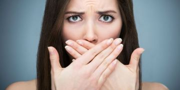 7 Makanan sahur & buka yang bisa hilangkan bau mulut saat puasa