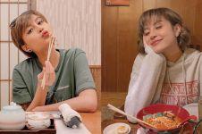 7 Potret Awkarin pakai kimono di Jepang, rambutnya jadi sorotan