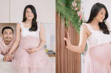 10 Potret maternity Anissa Aziza & Raditya Dika, konsep serba pink