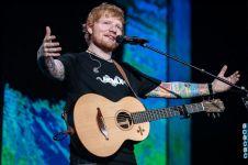 8 Aksi memukau Ed Sheeran hibur penggemarnya di Jakarta