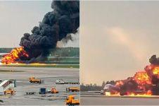 Video detik-detik pesawat Sukhoi terbakar di Rusia, 41 orang tewas