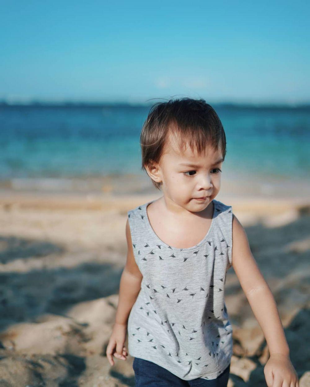 Gaya anak seleb saat ke pantai  © 2019 brilio.net