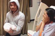 Jadi ayah baru, ini ekspresi tegang Raditya Dika saat gendong anak