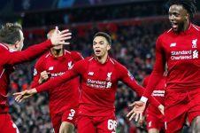 Penjelasan pemain Liverpool soal sepak pojoknya yang tipu Barcelona