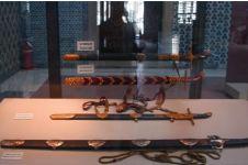 Penampakan 10 benda peninggalan Nabi Muhammad, ada pedang perang