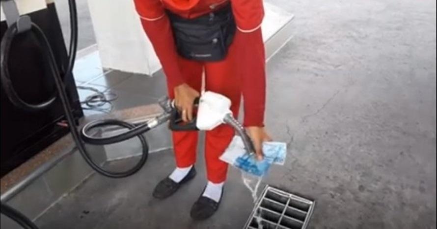 Viral petugas SPBU siram uang pakai bensin, ini faktanya
