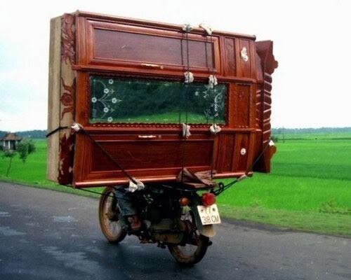 sepeda motor barang besar © 2019 berbagai sumber