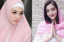 13 Potret seleb nonmuslim berhijab, tampil cantik dan memesona