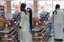 Diberi sumbangan Rp 1.000, pria ini marahi kasir minimarket