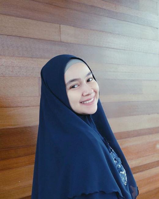 Inspirasi hijab Aryani Fitriana  © 2019 brilio.net