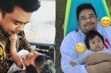 10 Potret manis Bobby Nasution momong Sedah Mirah, ayah idaman