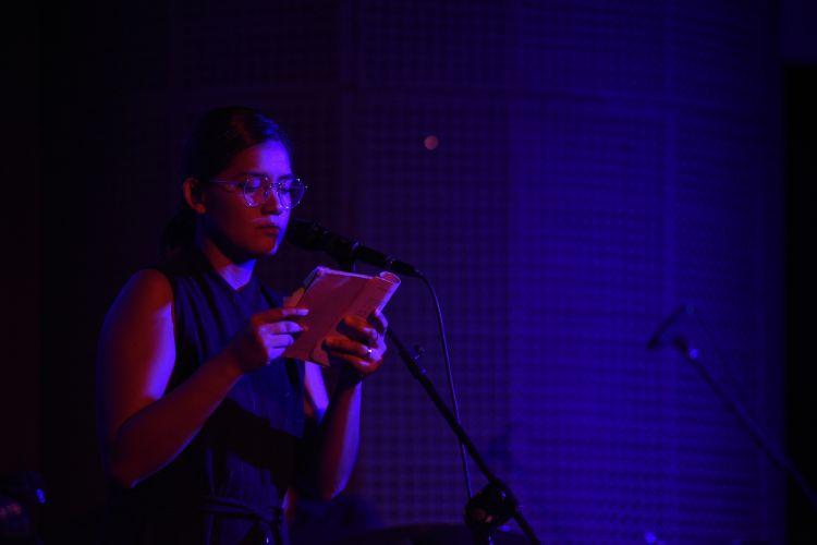Musikalisasi puisi Monita Tahalea, bacakan puisi maestro sastra