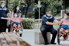 7 Momen bahagia Ani Yudhoyono hirup udara segar ditemani SBY
