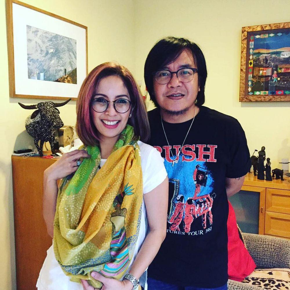 Ari Lasso dan istri instagram