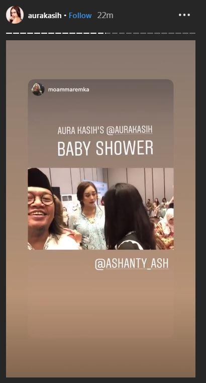 13 Potret momen baby shower Aura Kasih, jualan rujak bareng suami berbagai sumber