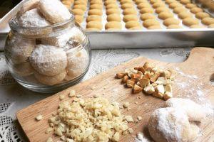 25 Resep kue putri salju lezat dan lembut di lidah