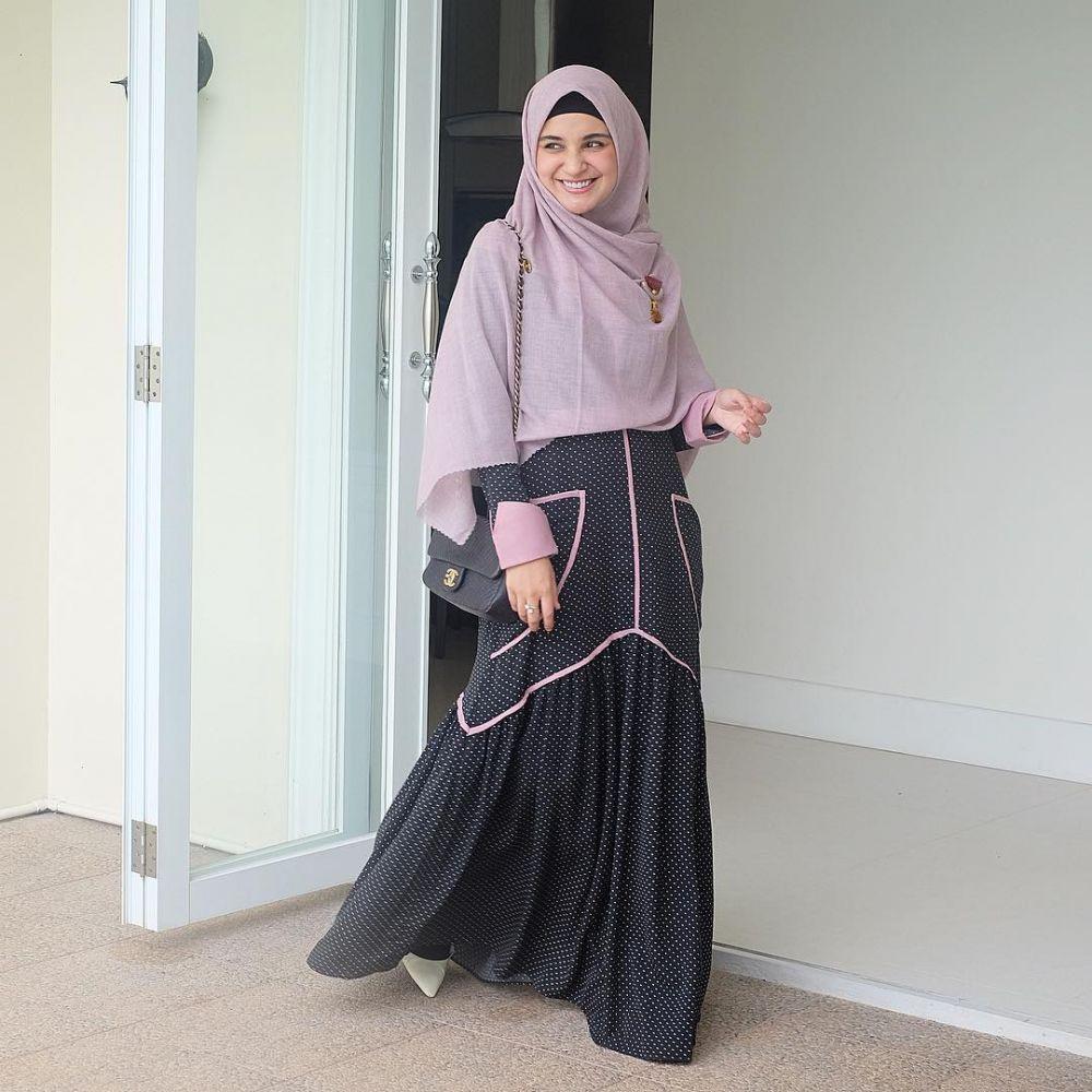 Gaya modis Shireen Sungkar istimewa