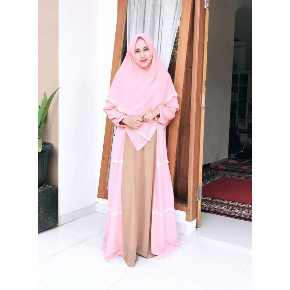 Inpirasi hijab istri Caisar © 2019 brilio.net