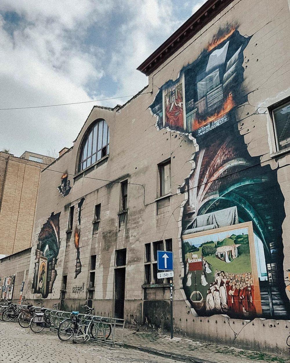 Seni mural di ruang publik  istimewa