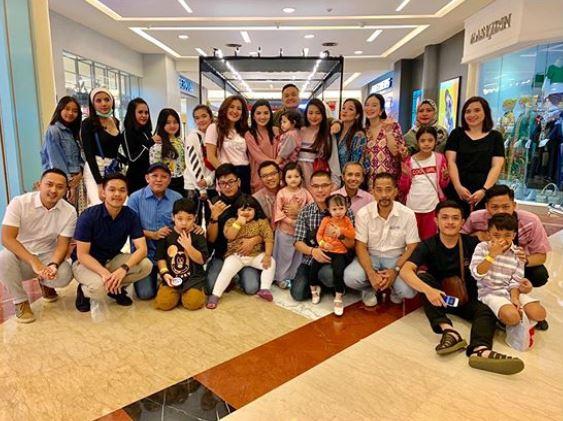 buka bersama keluarga artis © 2019 brilio.net