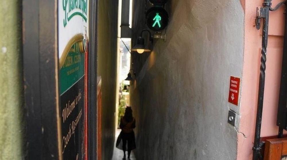 lampu lalu lintas untuk pejalan kaki © thevintagenews