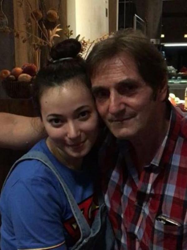 Asmirandah dan ayah bule instagram