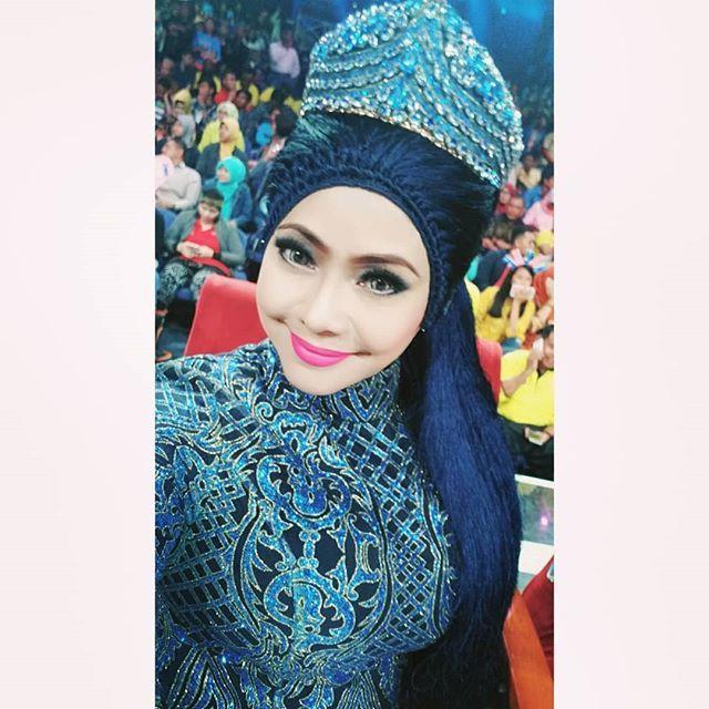 hijab unik seleb © 2019 brilio.net berbagai sumber