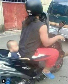 emak bonceng motor © 2019 berbagai sumber