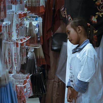 Kisah anak yatim belanja baju lebaran inibikin haru