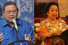 Sampaikan duka cita, Megawati jabat  tangan SBY di pemakaman Bu Ani