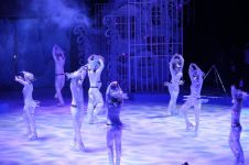Ramaikan libur Lebaran, mal ini hadirkan atraksi sirkus di atas es