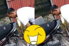 Takut motornya hilang, pria ini pasang gembok 'raksasa'