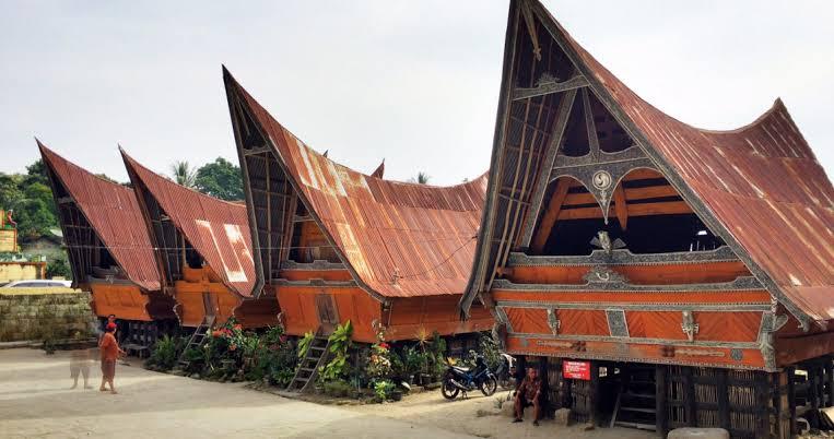 4 Tempat wisata rekomendasi terbaik saat ke Pulau Samosir