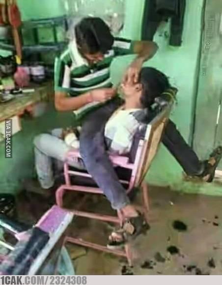 cukur rambut lucu © 2019 berbagai sumber