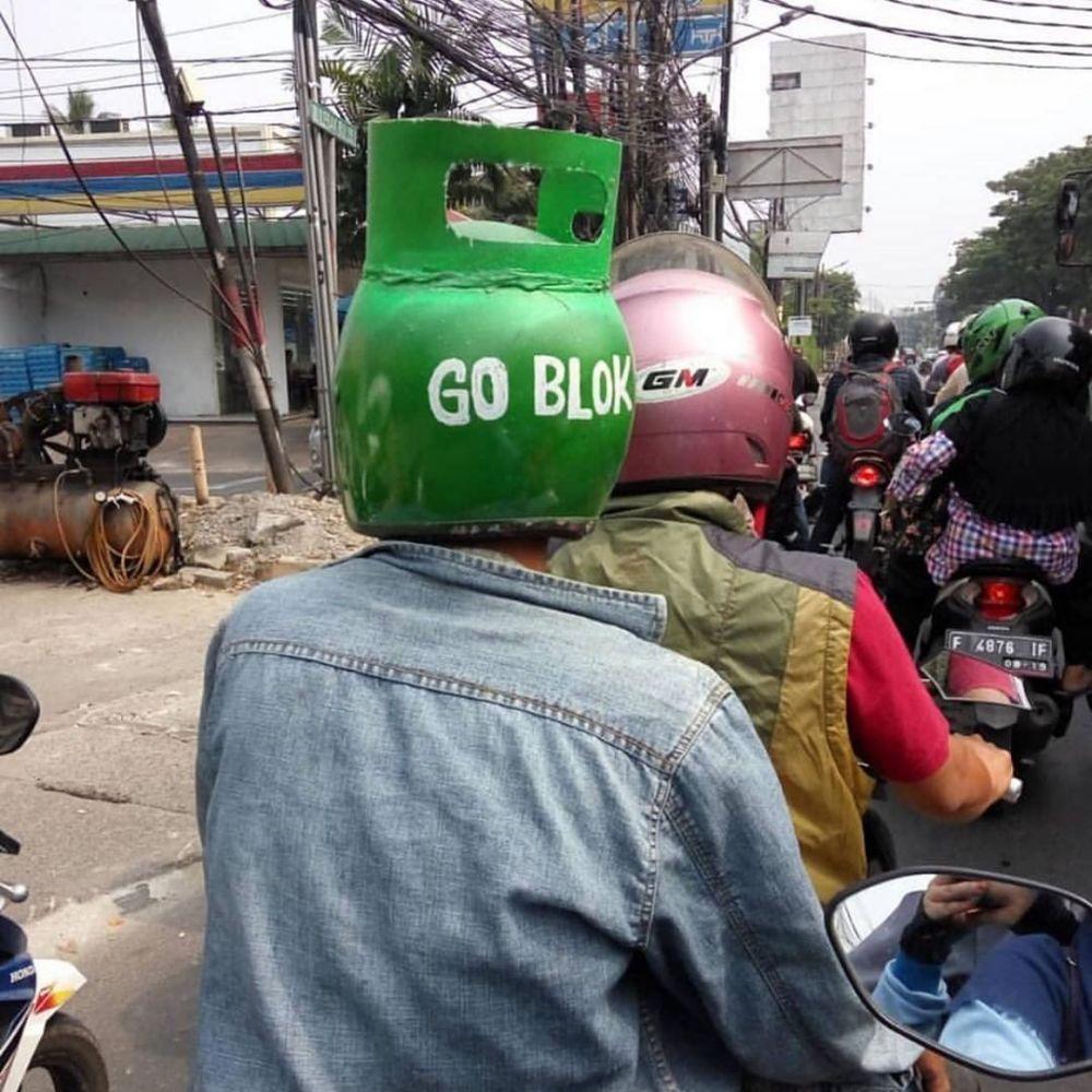 momen waktu pakai helm © 2019 berbagai sumber
