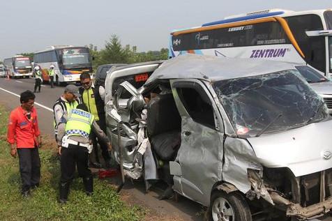 Polisi: kecelakaan Tol Cipali dipicu penumpang rebut kendali sopir