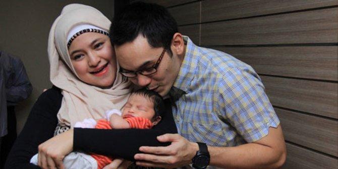 artis melahirkan sebelum usia kandungan 9 bulan © 2019 brilio.net berbagai sumber