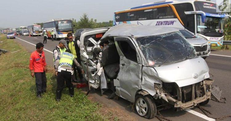Dishub cek kondisi kendaraan yang terlibat kecelakaan di Cipali
