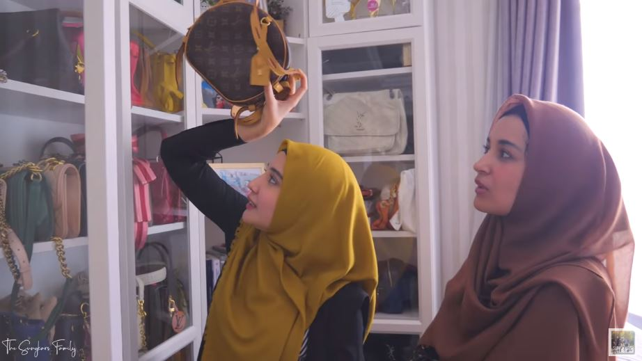 bongkar lemari mewah artis  © 2019 brilio.net
