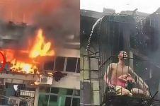 Kisah orangtua rela tubuhnya terbakar demi lindungi anak ini haru