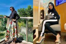 10 Potret Della Perez pakai hijab, gayanya cetar dan memesona