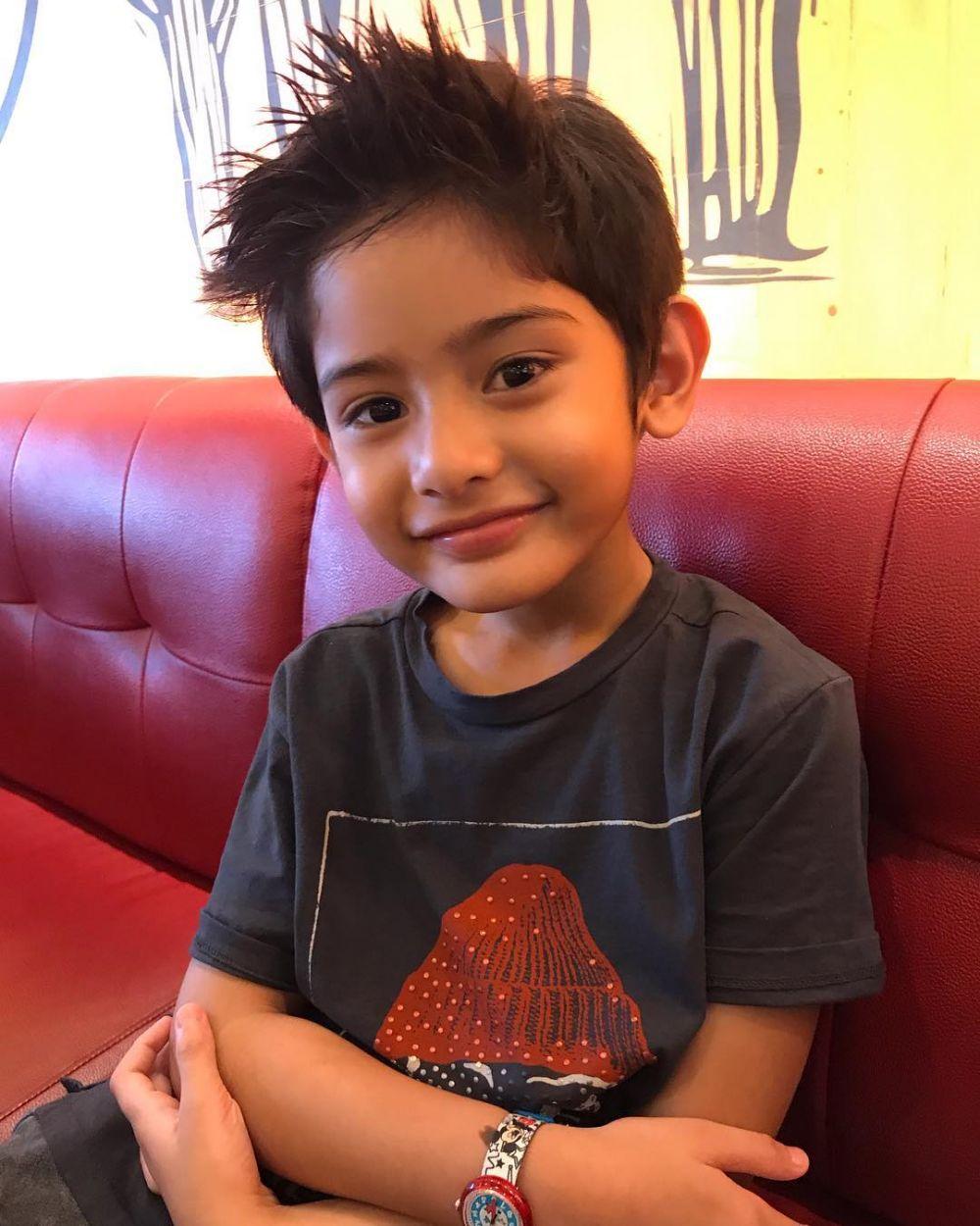Gaya putra Fairuz Rafiq & Galih Ginanjar © 2019 brilio.net
