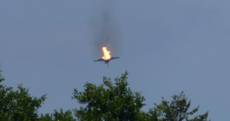 Video detik-detik 2 pesawat tempur Eurofighter tabrakan di udara