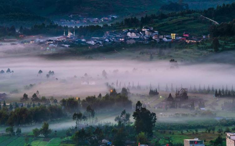 7 Wisata Dieng dengan panorama alam indah yang sayang dilewatkan