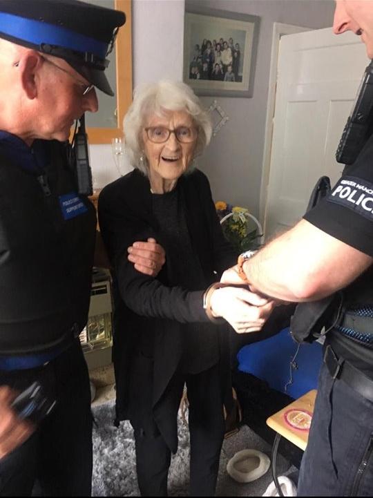 nenek ingin ditangkap  © 2019 brilio.net