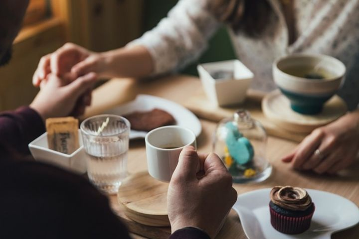 Penelitian ungkap 1 dari 3 wanita mau diajak kencan karena makanan