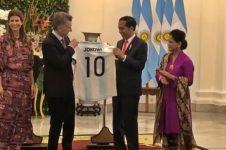 Jokowi dapat jersey Argentina, KPK minta segera lapor gratifikasi