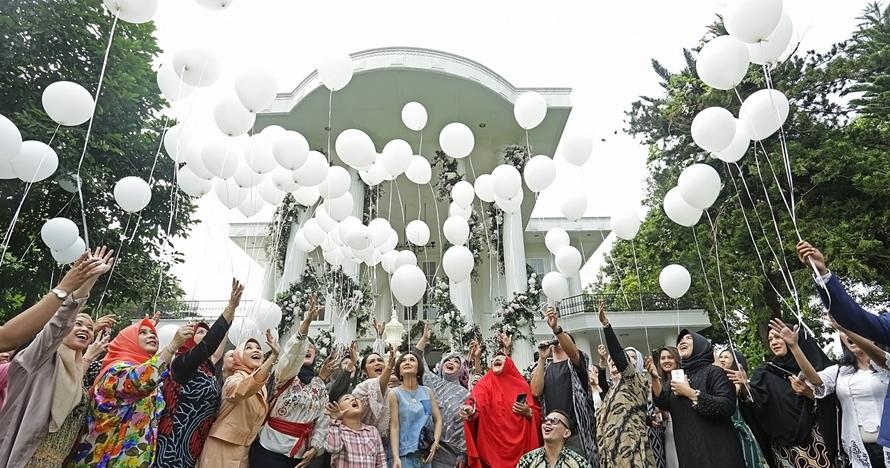 10 Momen seru ulang tahun Rina Gunawan ke-45, bertabur seleb